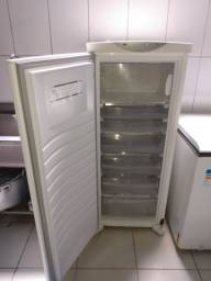 Freezer vertical Eletrolux 230 lts