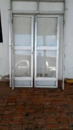 Porta de vidro completa com caxilio