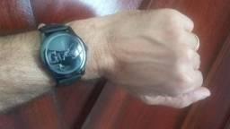 Relógio Guess modelo U96004L3