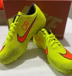 Chuteira Society Nike em promoção!!