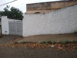 Casa baixa no bairro Santa helena