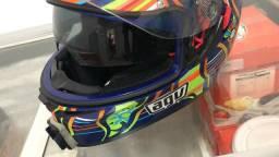 Vende-se câmera hero 7 e capacete Agv numeração 58