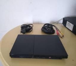 Vende-se Playstation 2 .