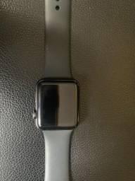 Apple Watch Series 3, GPS, 42mm, Cinza Espacial, Pulseira Preta (em perfeito estado)