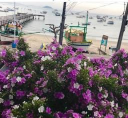 Sobrado com linda vista de frente para o mar e a 2 Km do parque Beto Carrero World