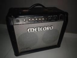 Amplificador de guitarra meteoro space