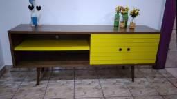 Vendo rack da cor amarela