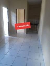 Aluga-se casa com 2 quartos na Campina do Barreto R$550,00