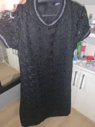 Vestido renda estrela preto Zara - M