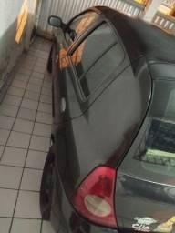 Clio-(troco em carro mais antigo, com volta do interessado)