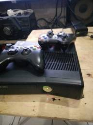 Xbox 360 Com  2 controle