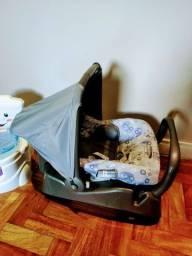 Bebê conforto com suporte para o carro Burigotto, bem novinho.