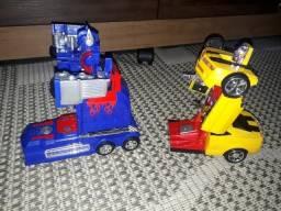 Brinquedos robô Optimus prime e bumblebee