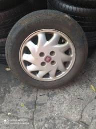 Vendo jogo de  rodas com pneu originais do  Fiat Palio ekend