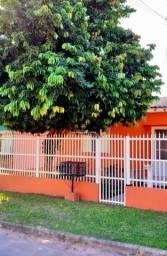 Título do anúncio: Excelente casa à venda, com 3 dormitórios, localizada em bairro tranquilo.