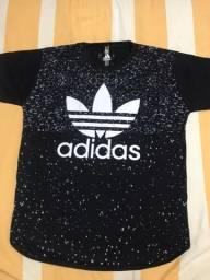 Kit 2 camisas Long Line, Branca:M Preta:G