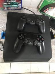 Vendo PS4 com dois controles e PES21 R$ 2.300,00