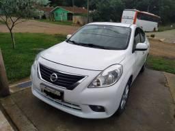 Nissan versa SL 1.6 FLEX Único dono