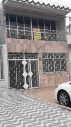 Vendo casa na Cachoeirinha, Av. Tefé excelente localização