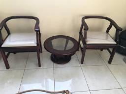 Cadeiras e centro