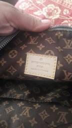 Troco bolsa Louis Vuitton Original em celular