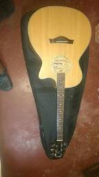 Vendo violão tagma