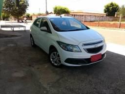 Chevrolet onix lollapalooza 1.0 - 2014