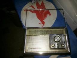 Radio national Panasonic final deca de 70