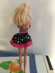 Boneca Barbie Articulada