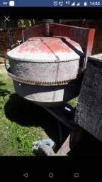 Vendo betoneira 400litros e guincho elétrico 600kg