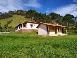 Chácara de 6.000 m² contendo 01 casa e 02 chalés em Marmelópolis Sul de Minas Gerais