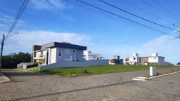 /. Terreno de esquina com 503,37 m² em condomínio de alto padrão, nos Ingleses!