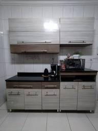 Armário de Cozinha com balcão Retrátil
