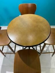 Kit Mesa Bistrô com 4 Cadeira de Madeira Maciça (Estado de Nova)