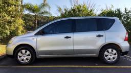 Nissan Livina 1.6 Flex 5p impecável