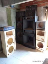 10 caixas de som