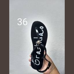 Sandálias estampadas a pronta entrega