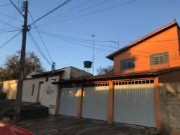 Esquina casa+ 2 kitnetes+2 Barracões para Renda- JD.Vitoria saída GO 020