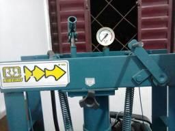 Compressor R$ 2.000,00 e Prensa 15Ton R$ 750,00