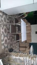 Mesa de tampo de vidro quatro cadeiras