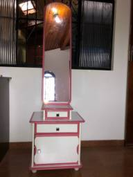 Penteadeira infantil rosa e branca