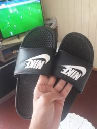 Sandália nike usada tam41
