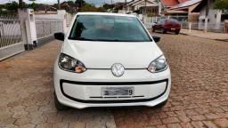 Volkswagen UP! em bom estado 2017 baixa quilometragem