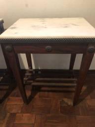 Mesa de canto e mesa de centro