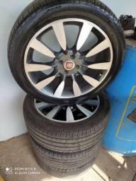 Roda aro 17 com pneus Pirelli 2 semi-novo e dois meia vida