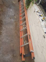 Escada extenciva em fibra e Almino 500REAIS