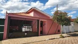 Vendo ótima casa em excelente localização no bairro Lagoinha