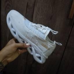 Tênis Adidas n 39