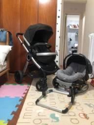 Carrinho urban chicco com bebê conforto