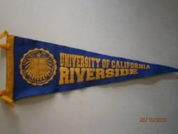 Flâmula original da Universidade da Califórnia,